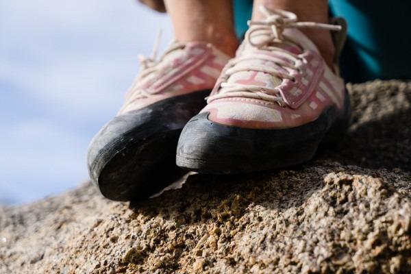 کفش سنگ نوردی بوتورا مدل Libra