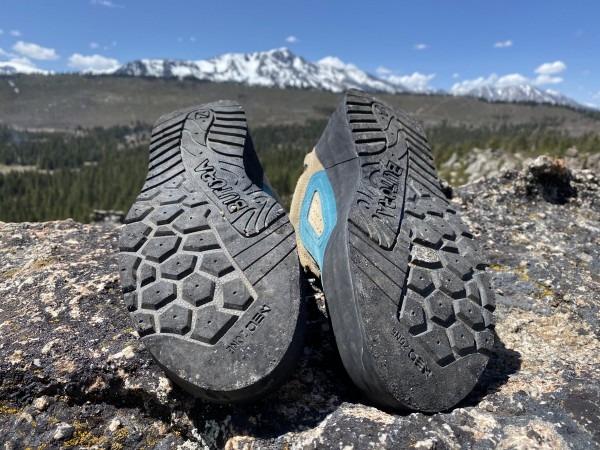 کفش طبیعت گردی و ترکینگ بوتورا مدل The Wing