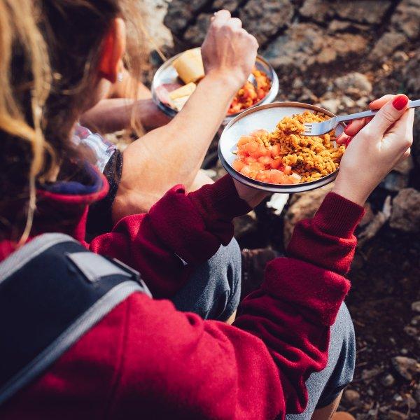 بهترین مواد غذایی برای برنامه های کوهنوردی | همراه با نکات تغذیه ای