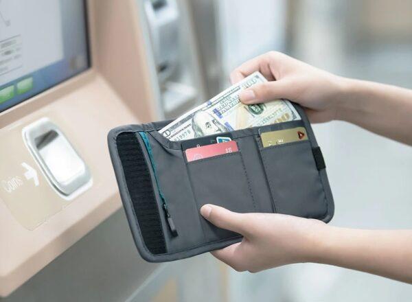 کیف پول نیچرهایک مدل RFID Blocking Travel Wallet